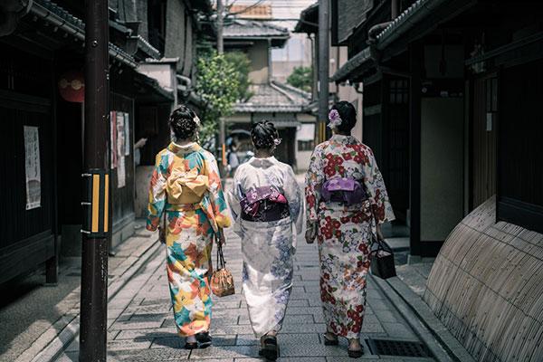 日本旅游签证要提交哪些材料?